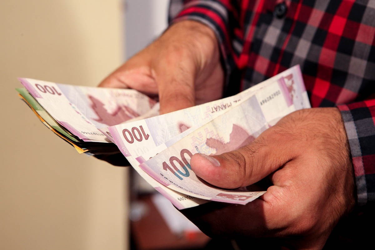 В январе-августе номинальные доходы населения Азербайджана выросли на 1,2%