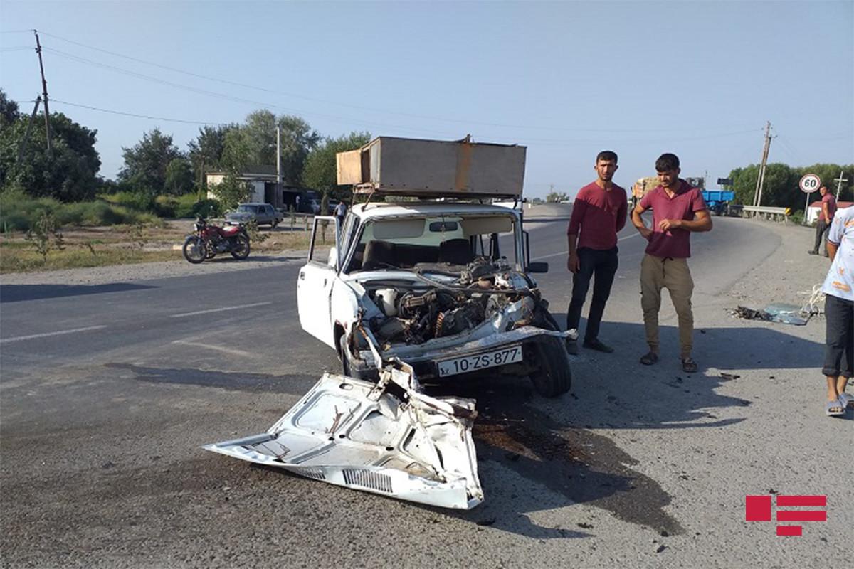 Sabirabadda baş vermiş avtoqəzada 1 nəfər ölüb, 1 nəfər xəsarət alıb - FOTO