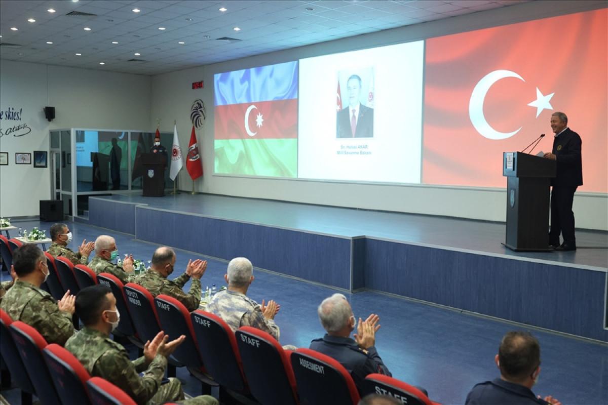 Turkish Def. minister warns Armenia
