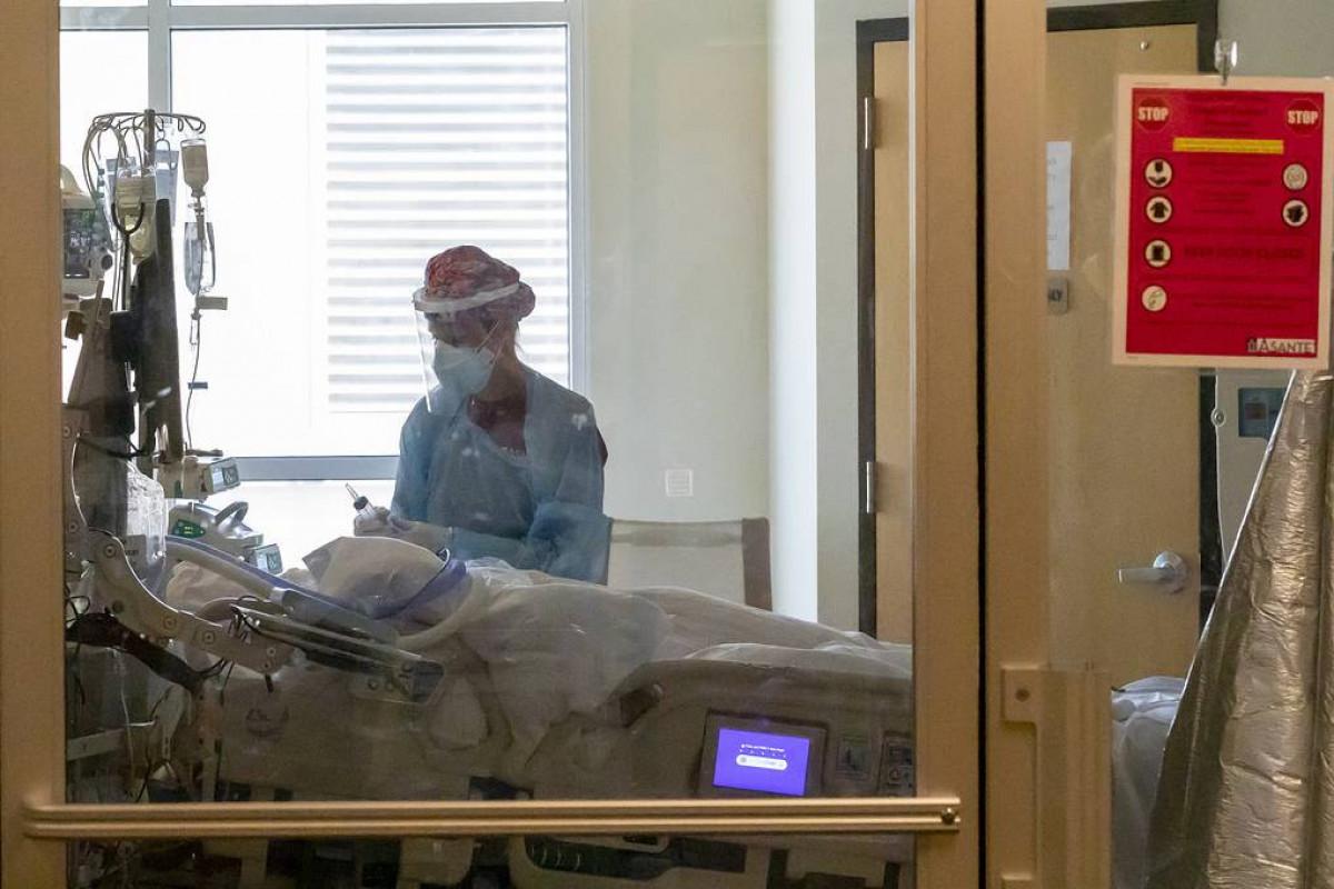 Почти каждый 500-й житель США умер от последствий заражения коронавирусом