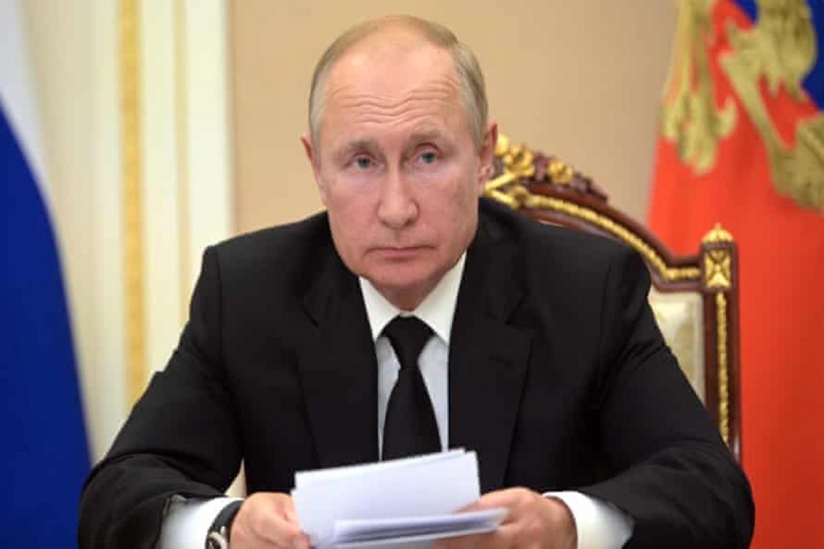 Russian President working as usual, Kremlin spokesman says