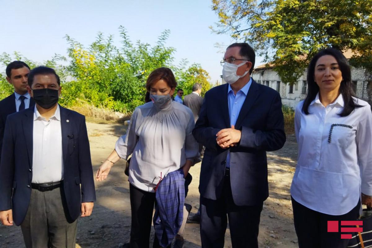 Делегация Ассоциации омбудсменов ОИС осмотрела «расстрелянные памятники» и дом Натаван в Шуше