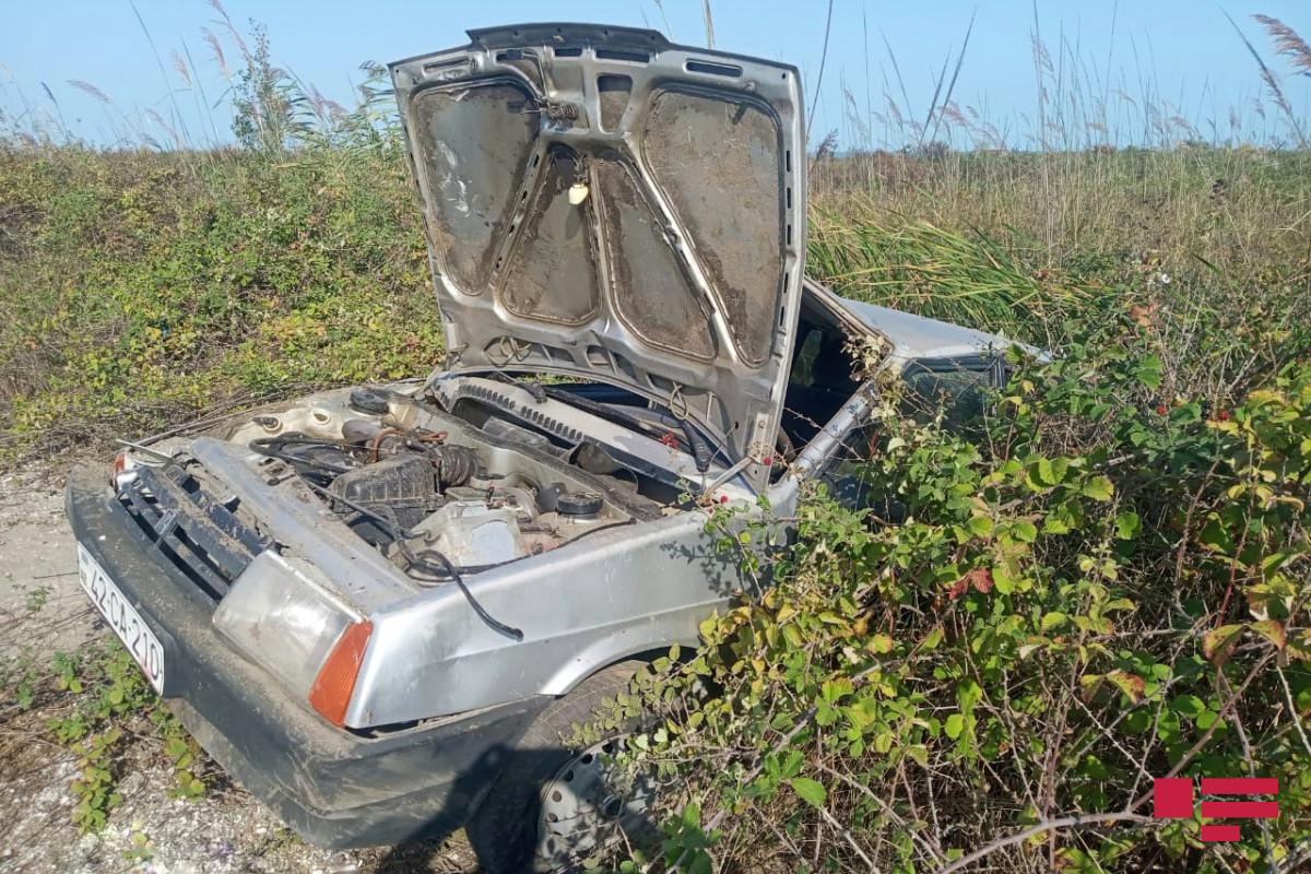 В Лянкяране перевернулся автомобиль, водитель погиб-ФОТО