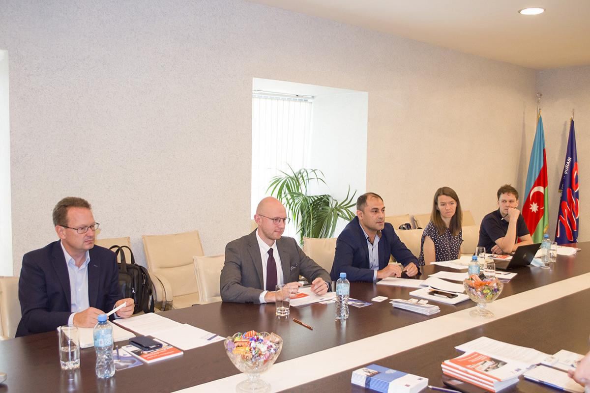 Mətbuat Şurasında beynəlxalq ekspertlərlə görüş