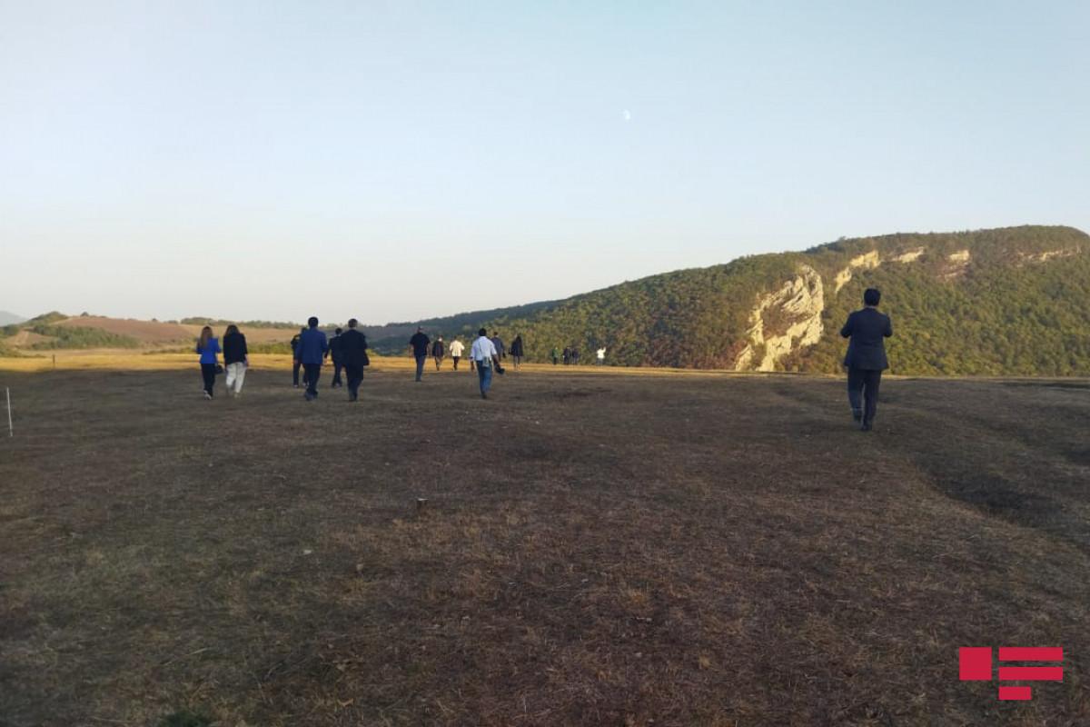 OIC OA delegation visits Jidir plain in Shusha