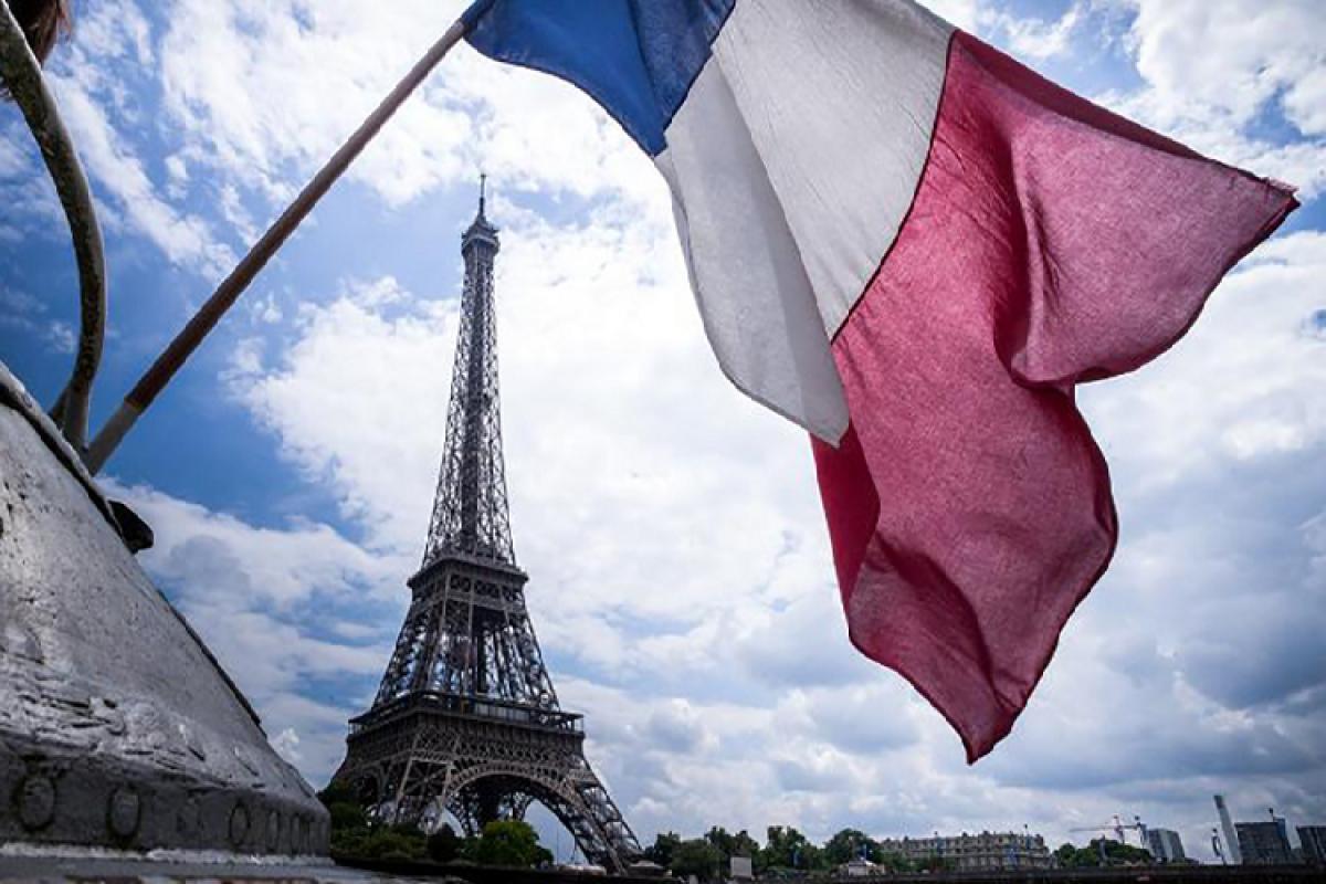 Fransa ABŞ-a etiraz olaraq birgə bayram tədbirlərini ləğv edib