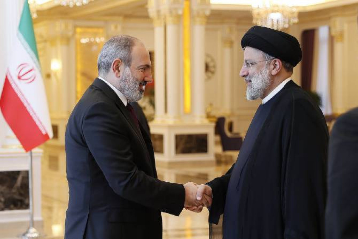 Iranian President meets with Armenian PM