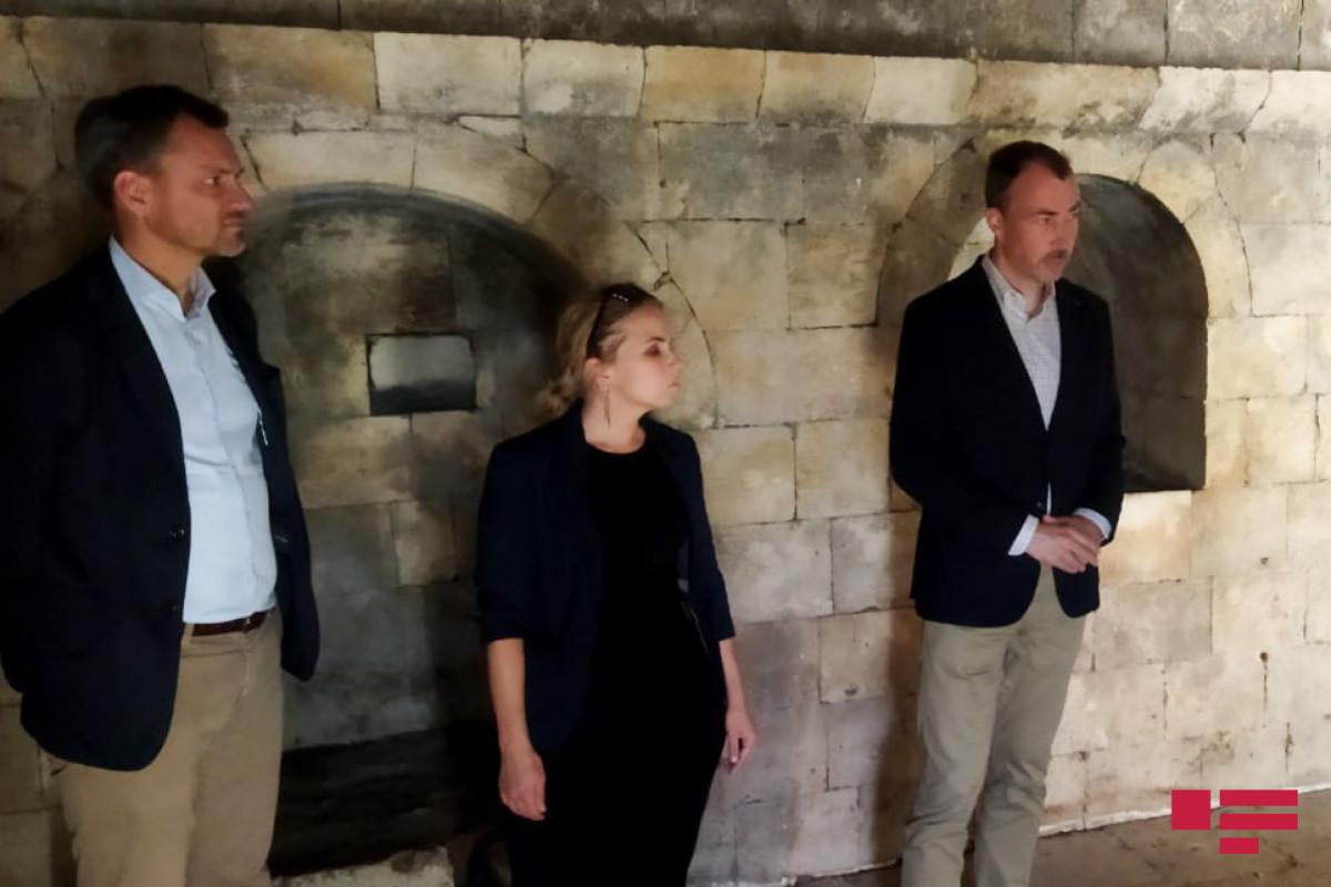 Спецпредставитель ЕС ознакомился с  последствиями вандализма армян в комплексе Имарет
