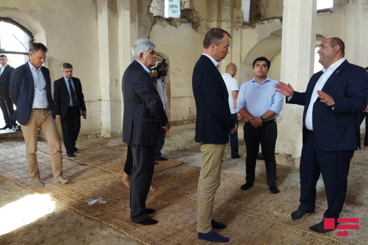 EU special representative viewed AgdamJuma mosque and Giyasli mosque