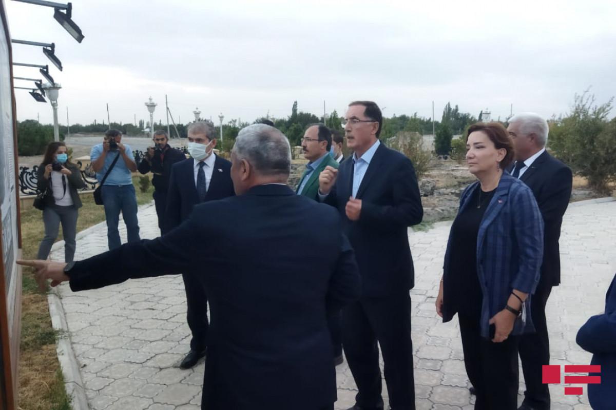 OIC OA delegation viewed Maraga-150 monument-PHOTO