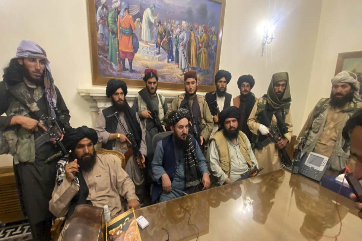 """""""Taliban"""" Əfqanıstanın 12 fəsil və 179 bənddən ibarət yeni konstitusiyasını hazırlayır"""