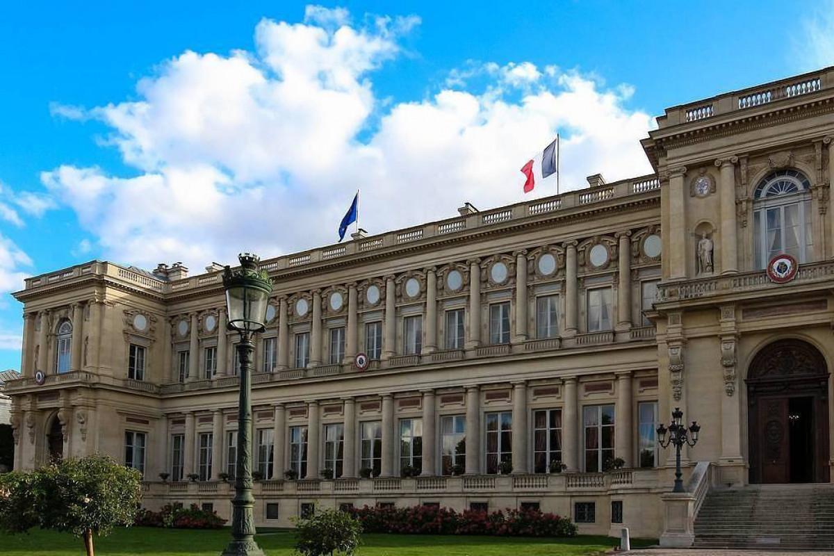 Франция отзывает для консультаций своих послов из США и Австралии