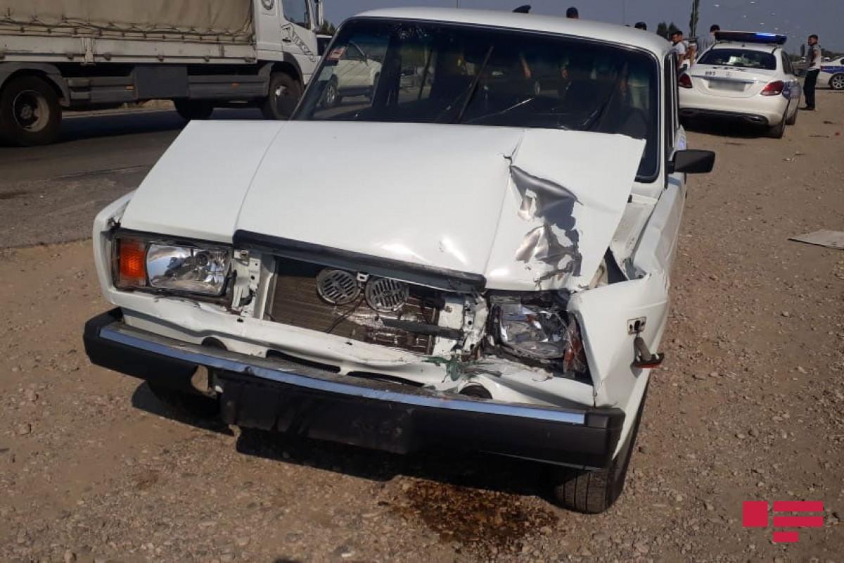 В Гяндже столкнулись два автомобиля, есть пострадавшие