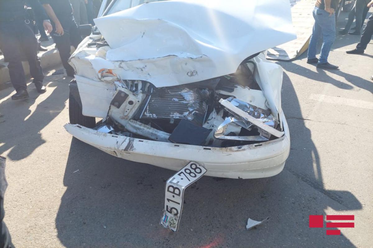 """В Гяндже столкнулись два автомобиля, есть погибший и пострадавшие -<span class=""""red_color"""">ФОТО"""