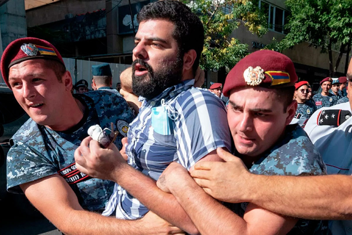 Confrontation occurs in Armenia, detainees reported