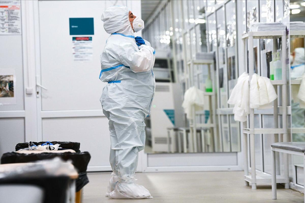 Главный инфекционист США не исключил, что пандемия закончится весной