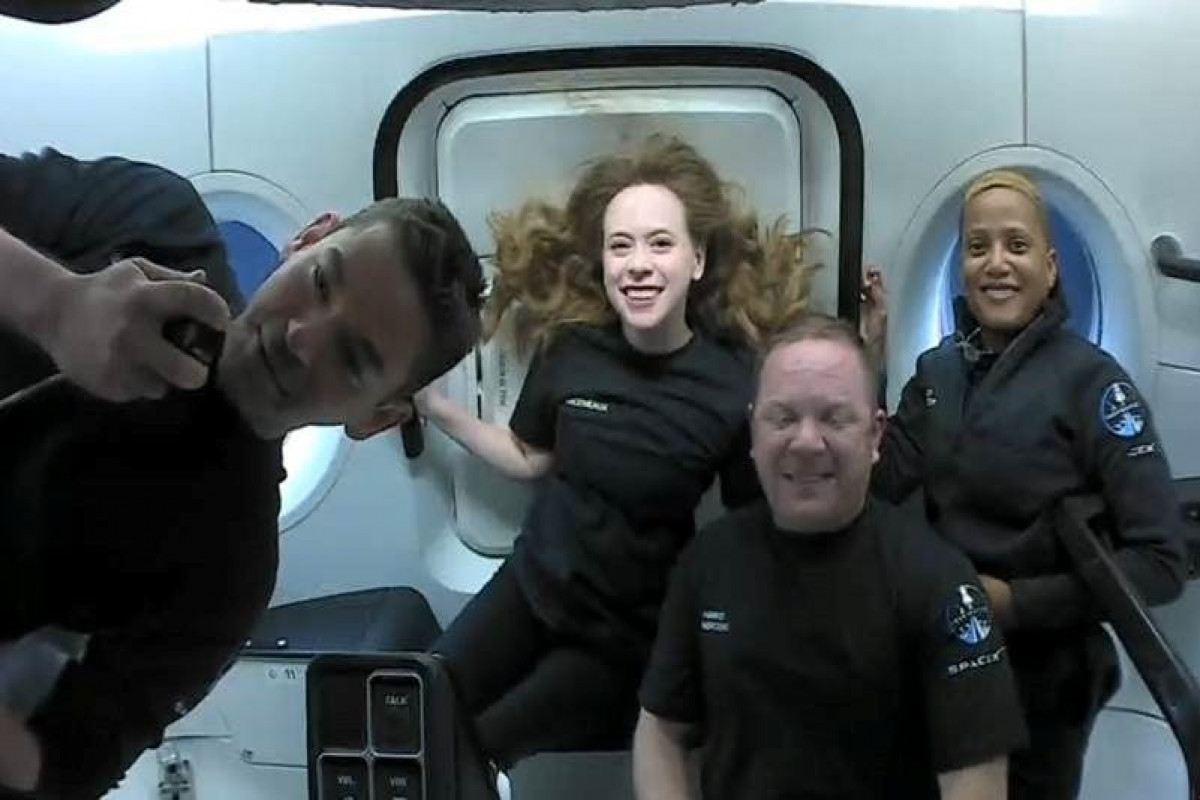 SpaceX capsule with world