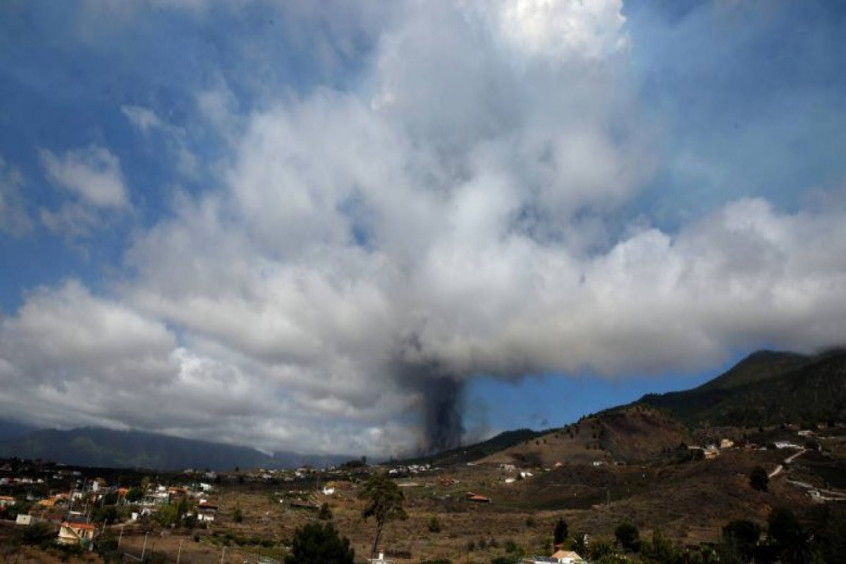 İspaniya baş naziri Palma adasında vulkan püskürməsi ilə əlaqədar ABŞ-a səfərini təxirə salıb