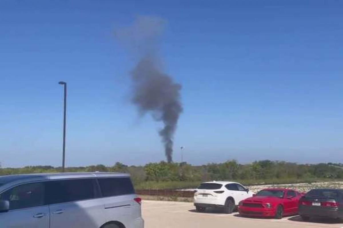 В США разбился военный самолет, повреждены два дома
