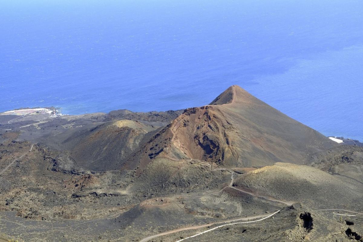 Palma adasında vulkan püskürməsi səbəbindən 10 minə qədər insanın təxliyə edilməsi gözlənilir