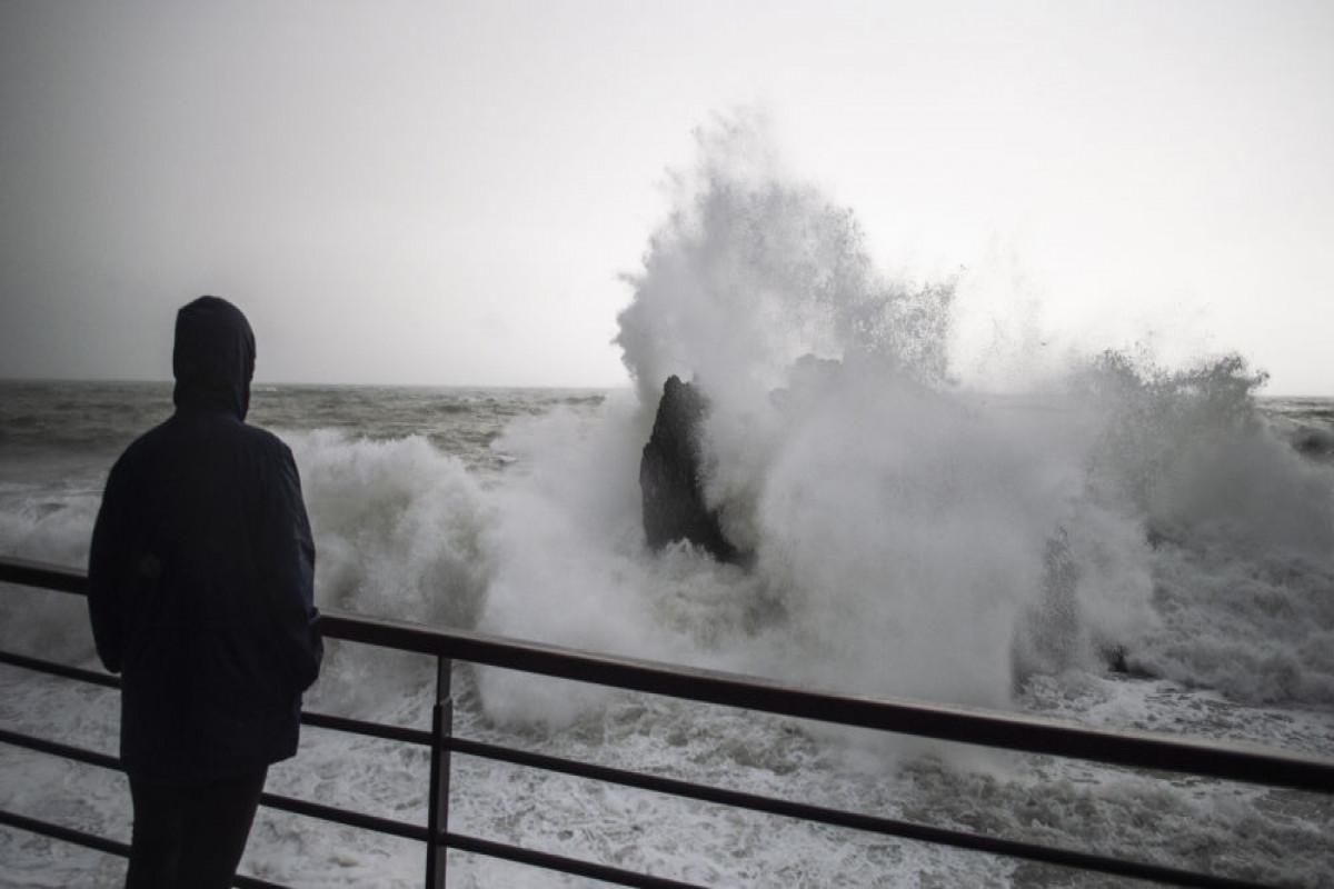 """Atlantik okeanında yaranan """"Rouz"""" fırtınası Qərbi Afrika istiqamətində irəliləyir"""