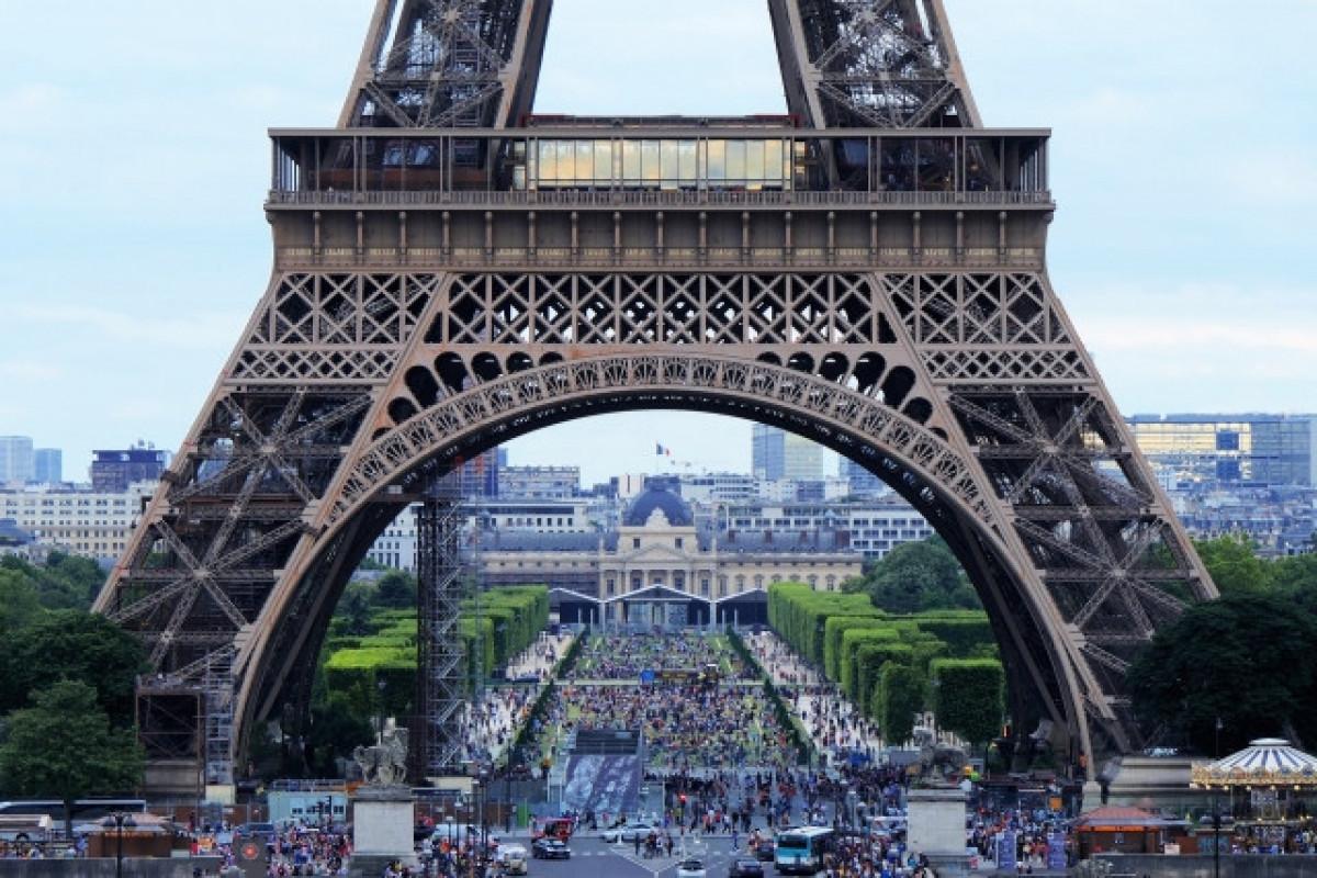 KİV: Parisdə pnevmatik silahdan insanlara atəş açan Rusiya vətəndaşı saxlanılıb