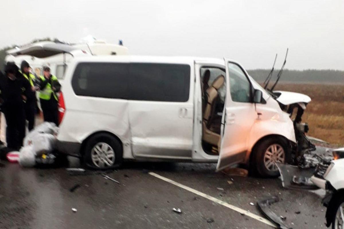 Rusiyada mikroavtobus aşıb, 2 nəfər ölüb, 10 nəfər yaralanıb