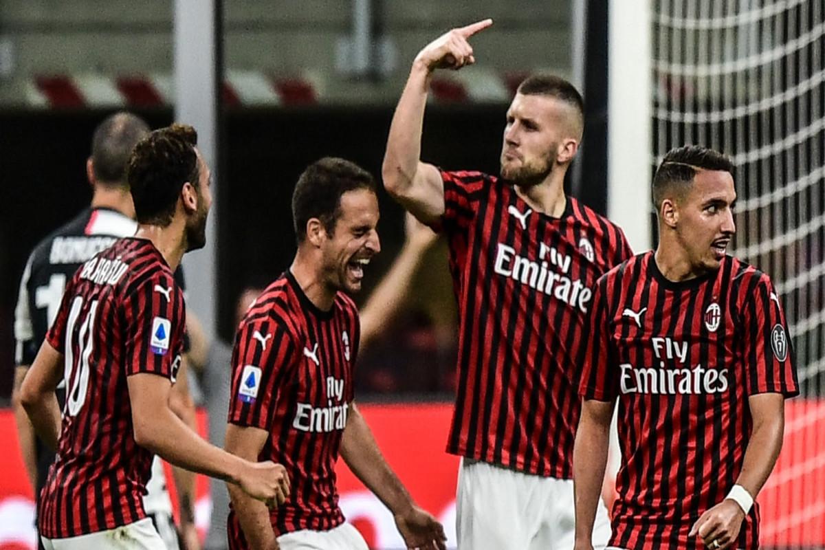 """Milan""ın futbolçusu A seriyasında rekorda imza atıb"