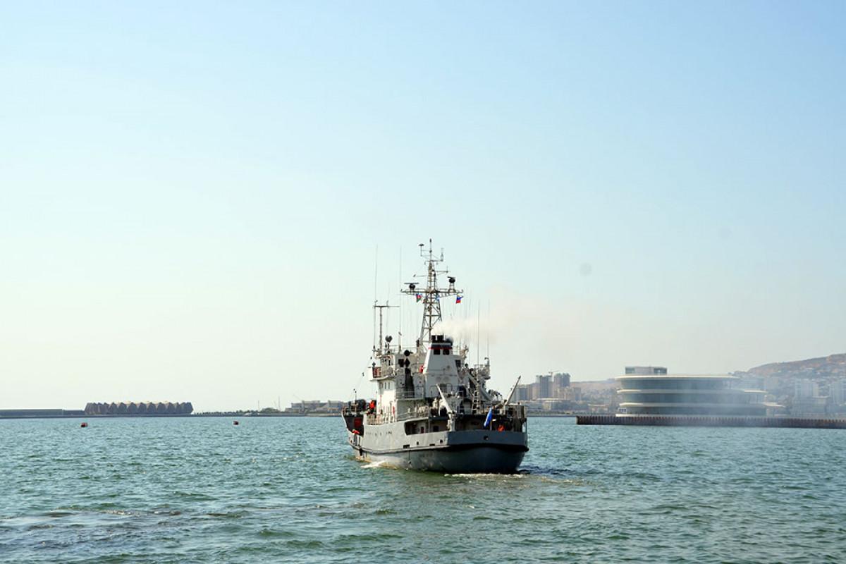 Warships of the Caspian Flotilla left the port of Baku