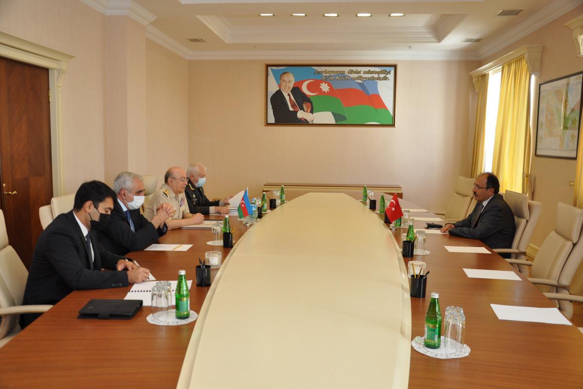 Кямаледдин Гейдаров встретился с послом Турции