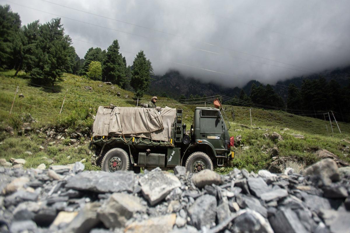 Индия отключила связь в Кашмире из-за нападения террористов