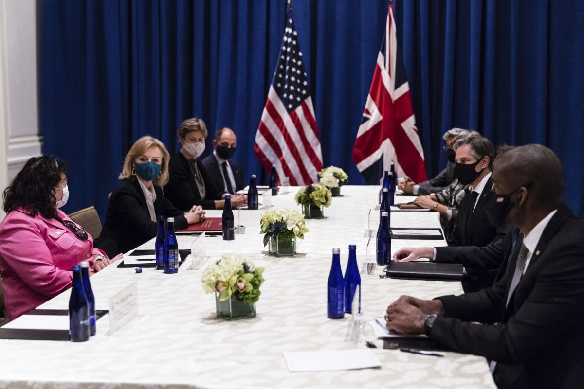 ABŞ dövlət katibi Britaniya XİN rəhbəri ilə Əfqanıstan və İranı müzakirə edib