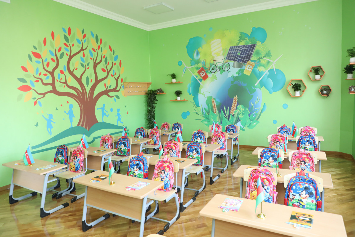 President Ilham Aliyev views conditions created at secondary school No. 71 in Sabunchu district