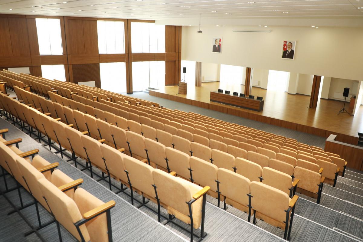 Prezident İlham Əliyev və Mehriban Əliyeva Bakı Avropa Liseyinin yeni binasının açılışında iştirak edib - YENİLƏNİB