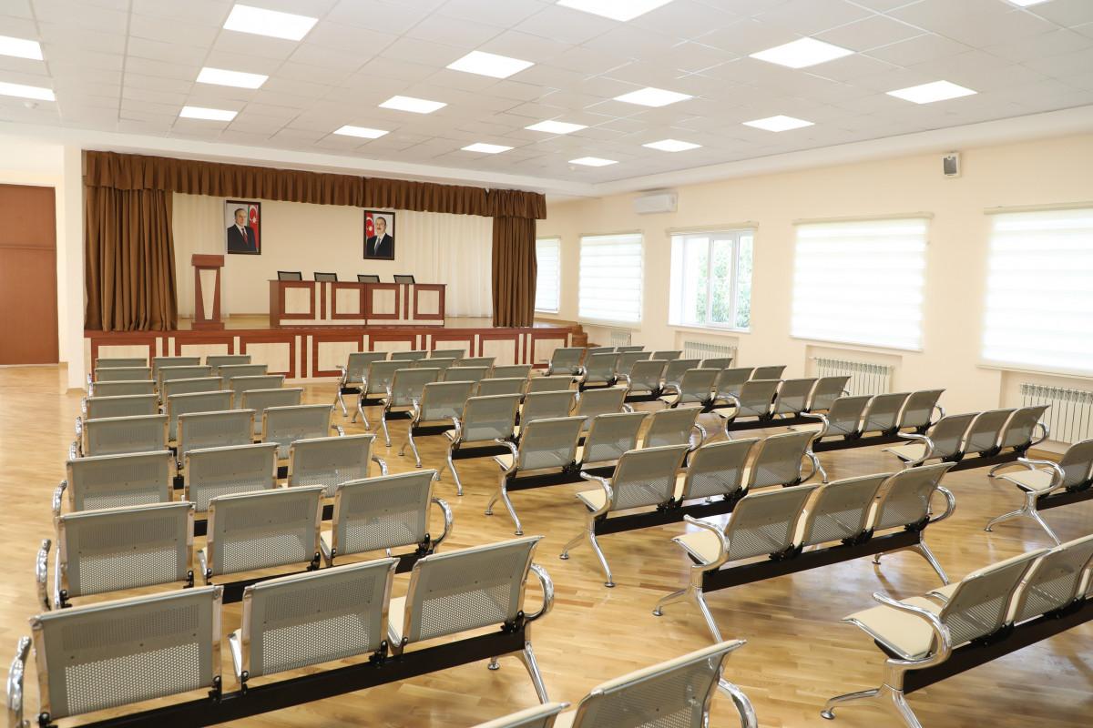 Президент Ильхам Алиев ознакомился с условиями, созданными в средней школе № 71 Сабунчинского района