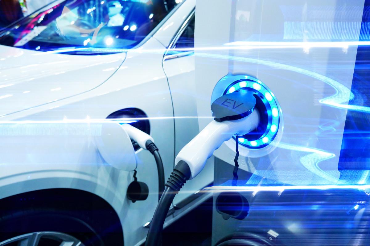 Elektromobillər 2050-ci ilədək qlobal neft emalı tələbatını iki dəfə azalda bilər
