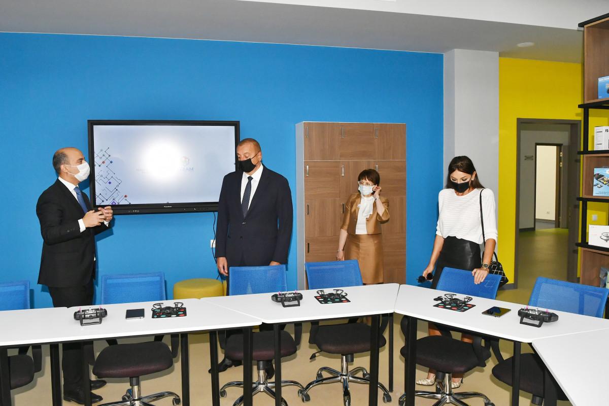 Prezident İlham Əliyev və Mehriban Əliyeva Bakı Avropa Liseyinin yeni binasının açılışında