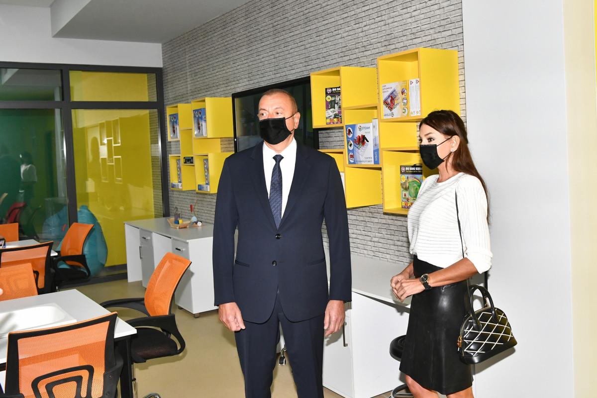 Президент Ильхам Алиев и Мехрибан Алиева приняли участие в открытии нового здания Бакинского Европейского лицея