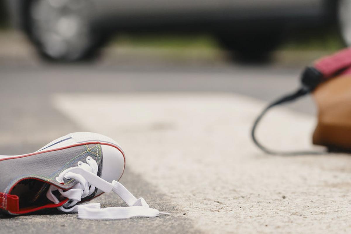 В Гяндже автомобиль сбил женщину и ее сына