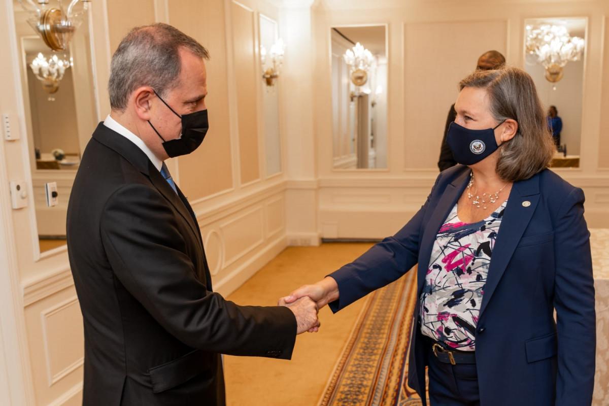 Джейхун Байрамов встретился с заместителем государственного секретаря США по политическим вопросам
