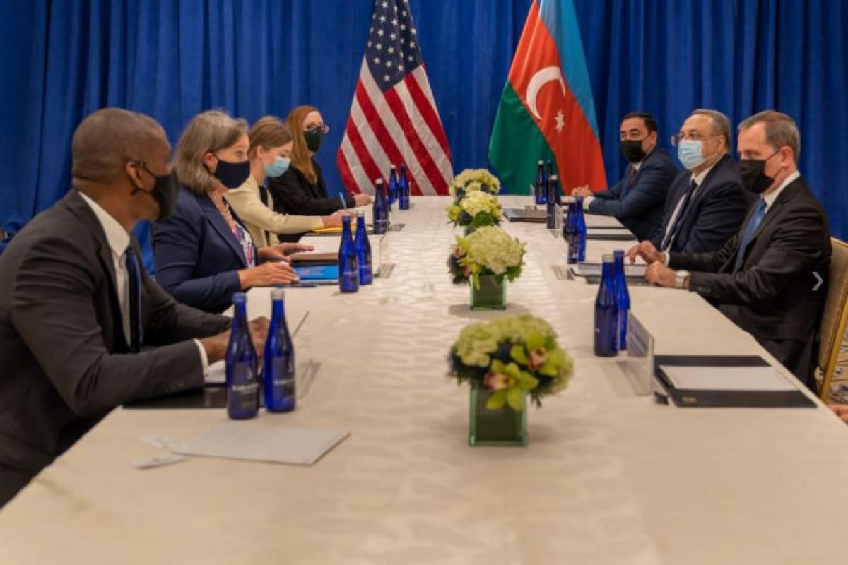 Джейхун Байрамов встретился с замгоссекретаря США по политическим вопросам Викторией Нуланд