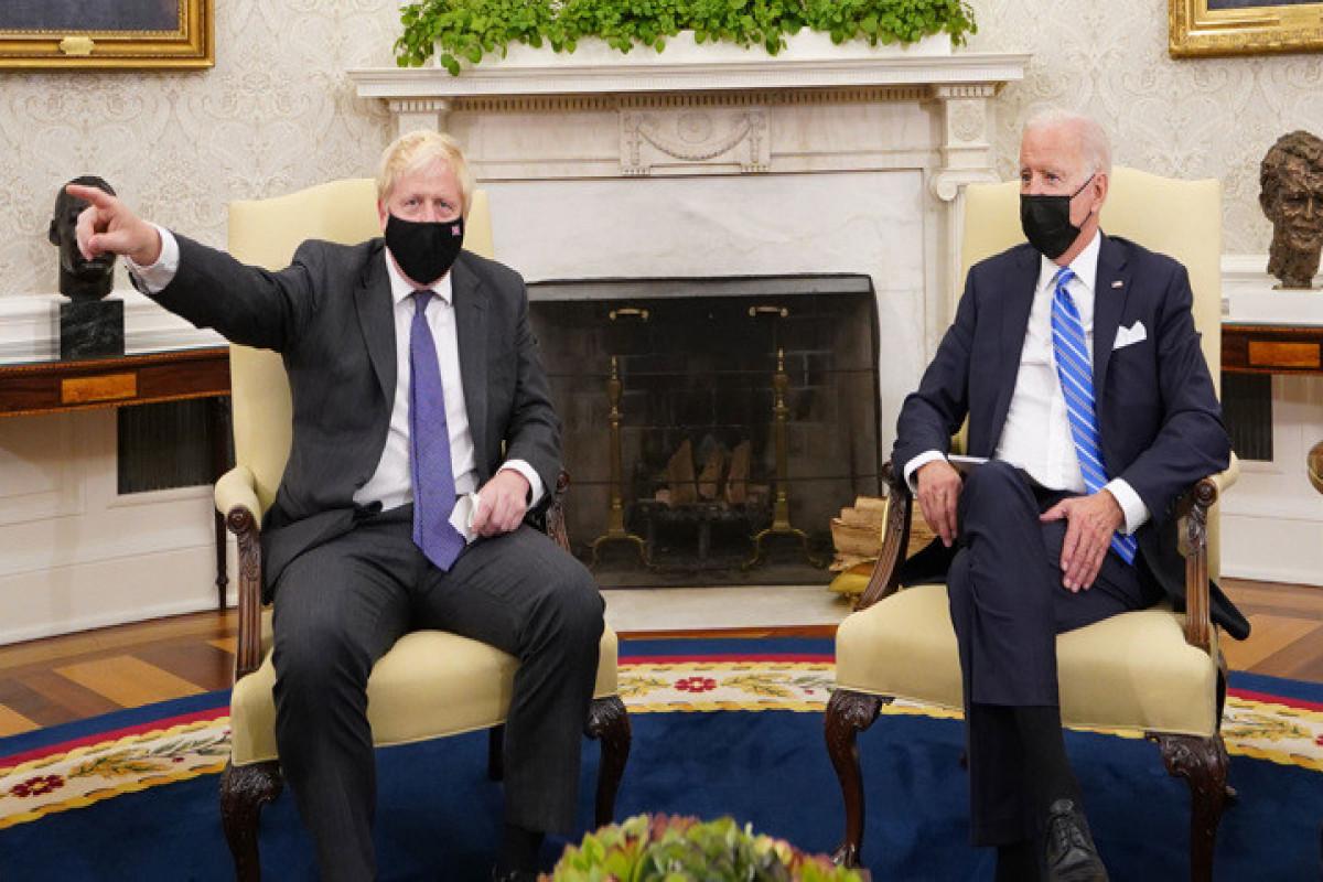 Джонсон и Байден согласовали подход по России и Китаю