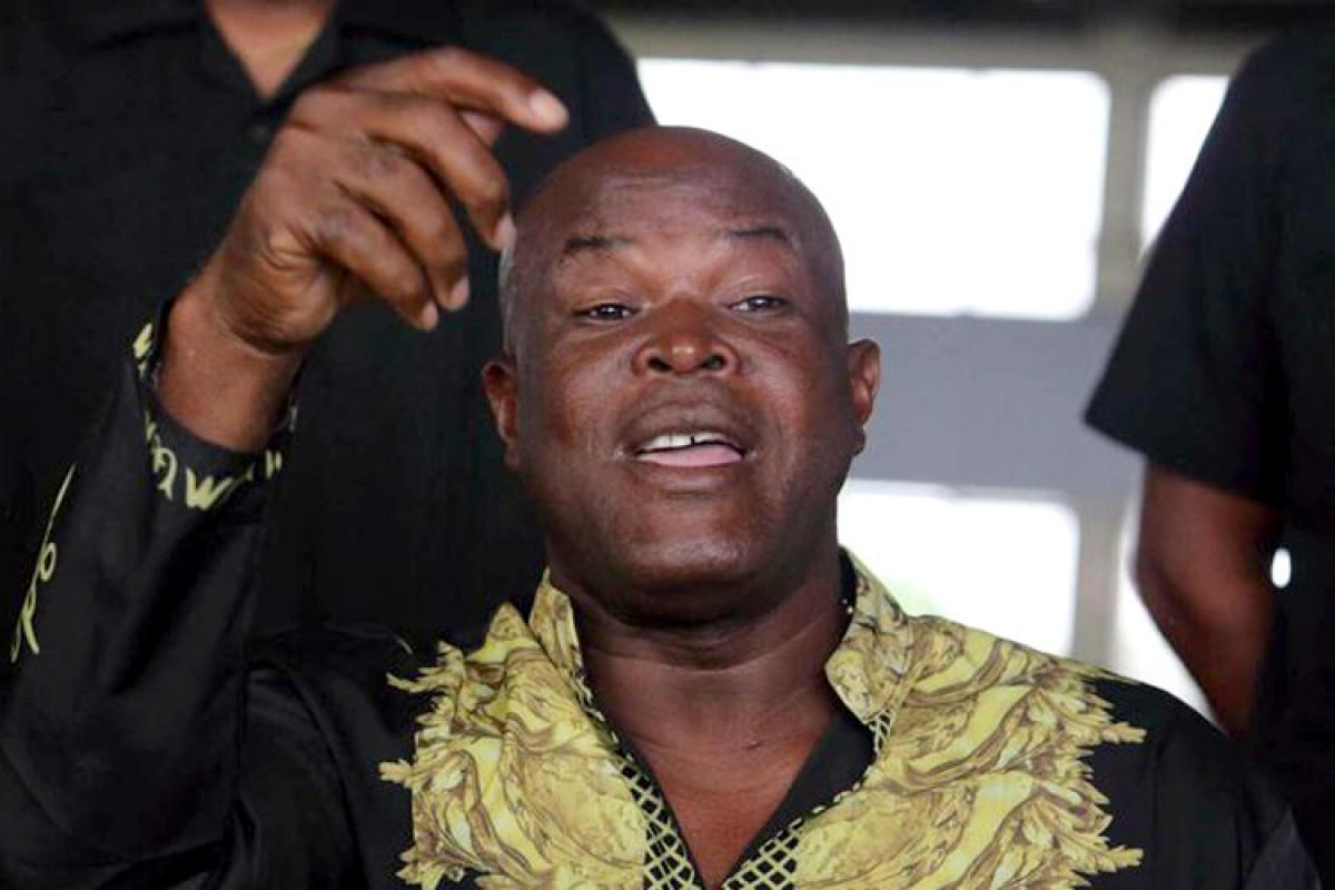 Surinamın vitse-prezidenti 60 yaşında rəsmi oyunda iştirak edib
