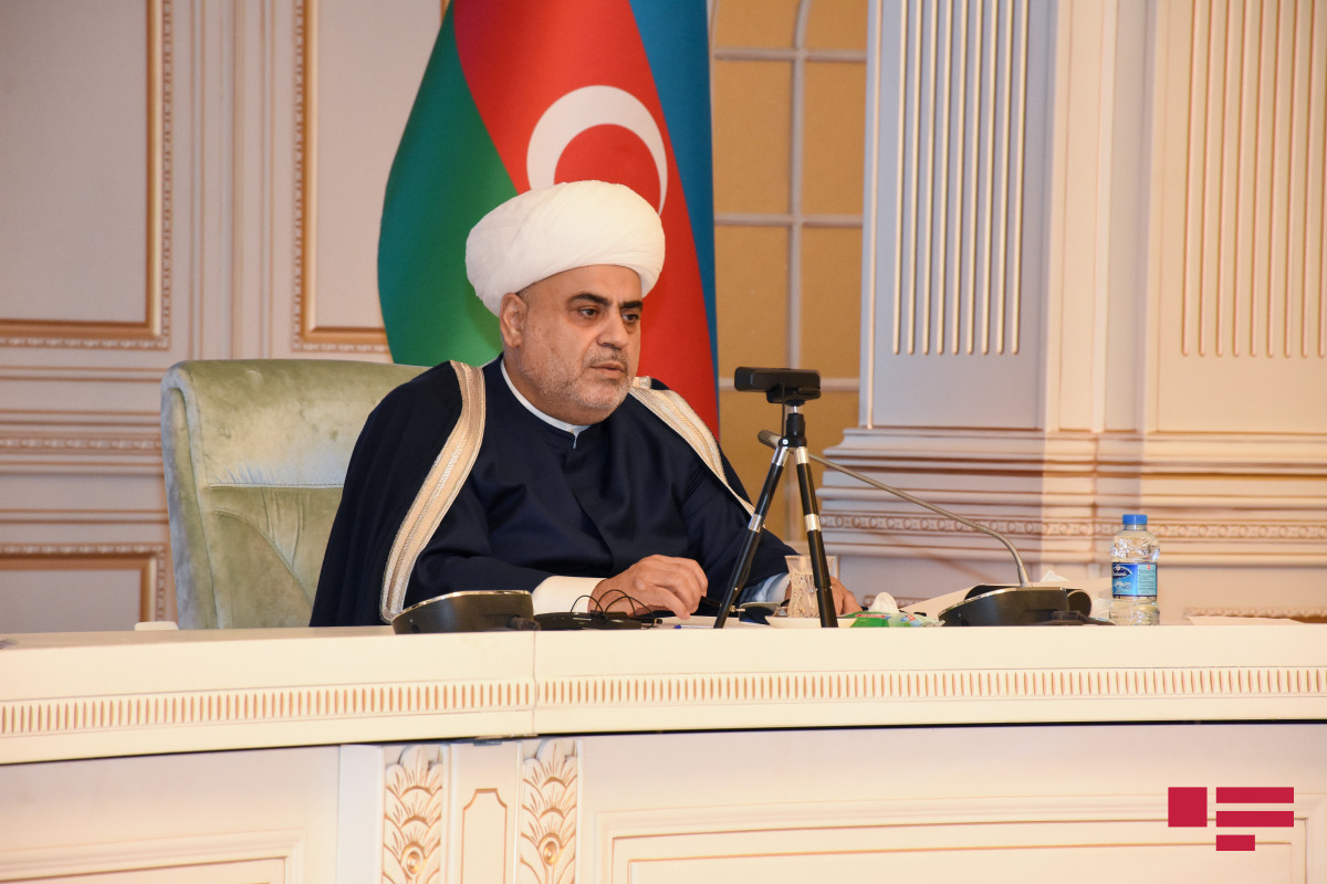 Allahshukur Pashazadeh responds to Imam of Ardabil Mosque Ameli