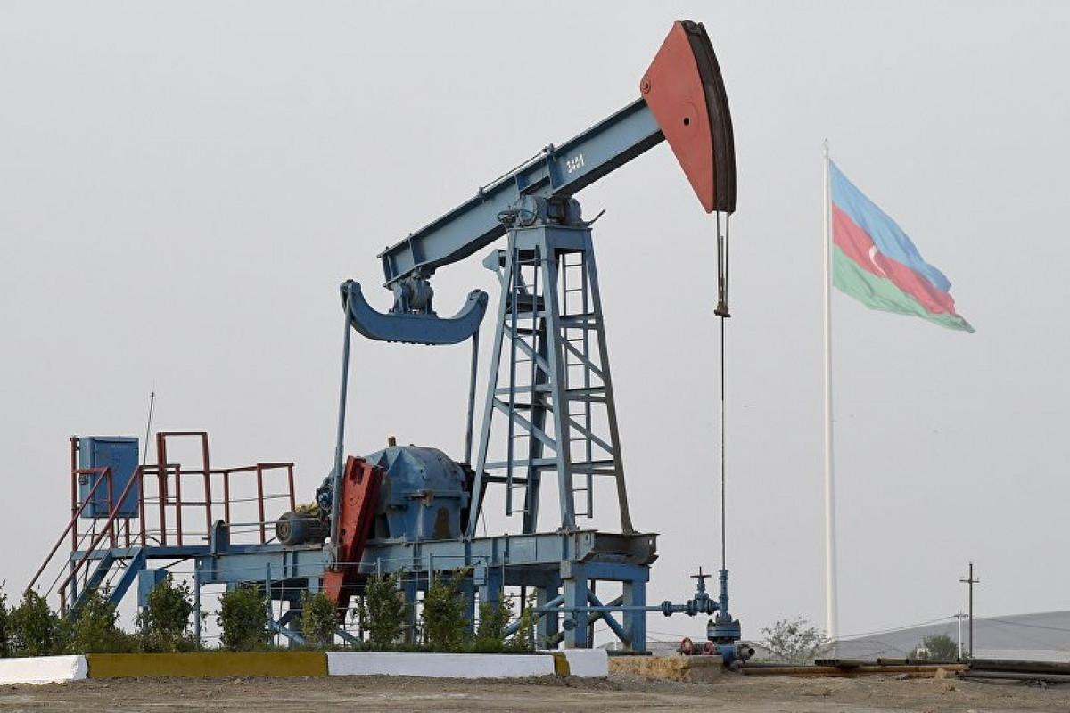 Цена азербайджанской нефти приблизилась к 77 долларам