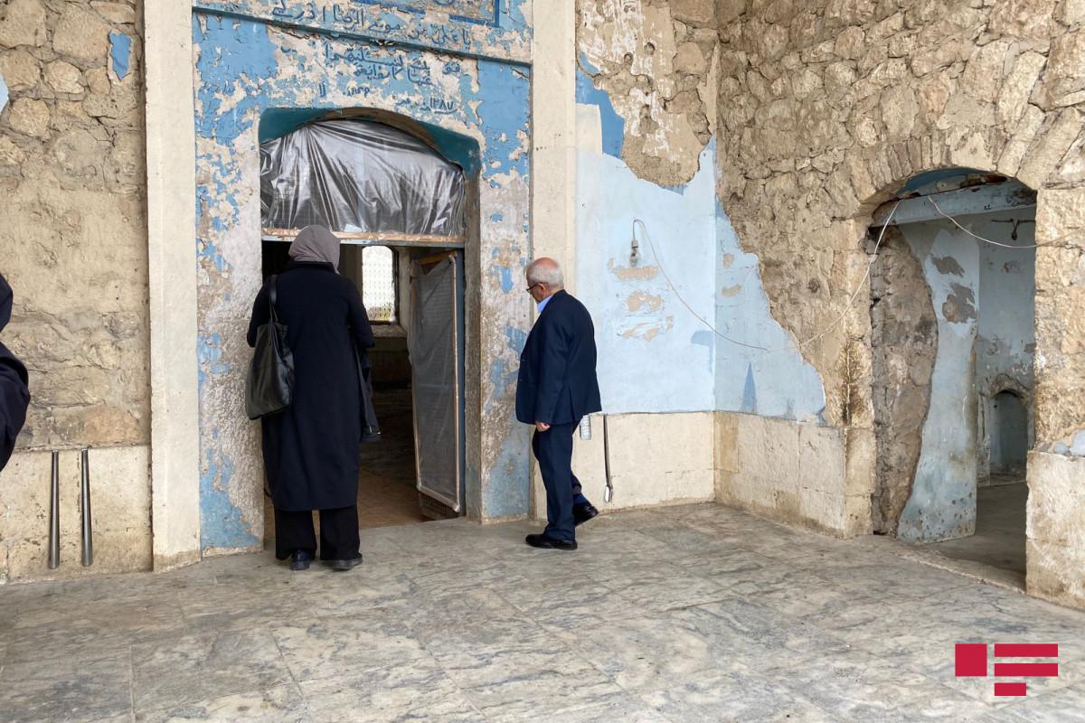 İran xarici işlər nazirinin müavini Ağdam Cümə məscidində namaz qılıb