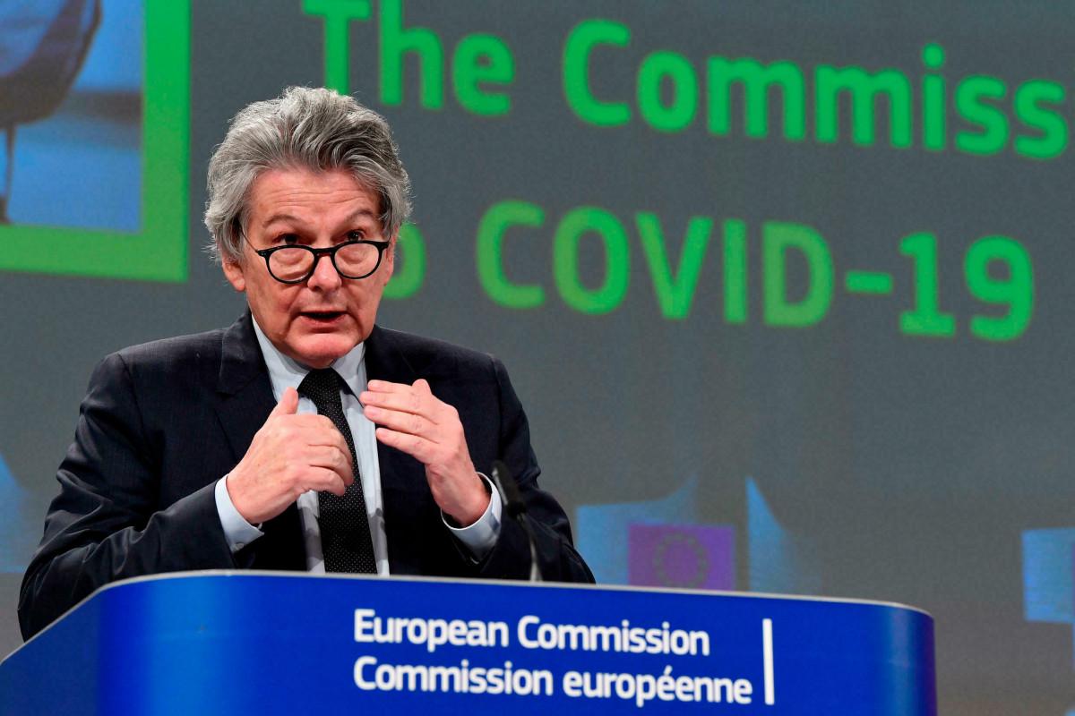 Еврокомиссия предложила ввести в ЕС единый разъем для зарядки смартфонов - USB-C