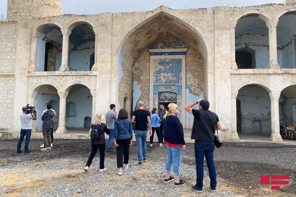 Грузинские журналисты и блогеры совершили поездку в Агдам