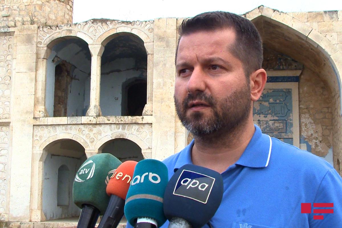 Хаггы Уйгур: Армяне держали в мечетях животных, совершали оскорбительные для святых мест действия