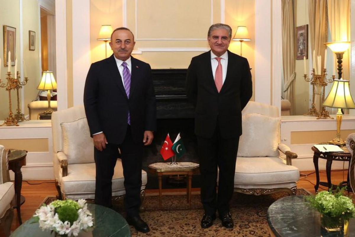 Главы МИД Турции и Пакистана обсудили ситуацию в Афганистане